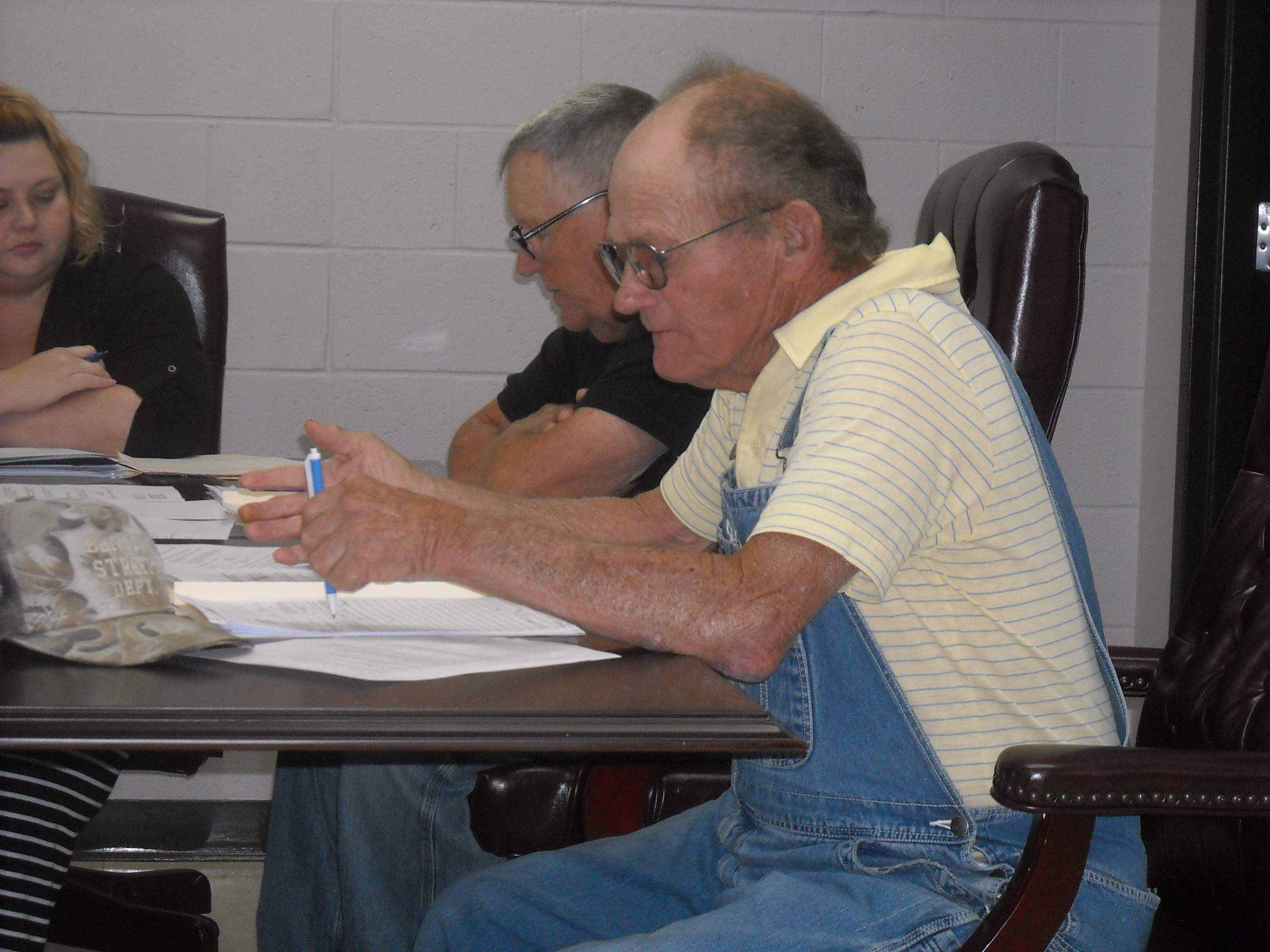 Benton City Commissioner Don Wyant requested several equipment purchases be made during Monday's meeting at city hall. The council approved the purchases.