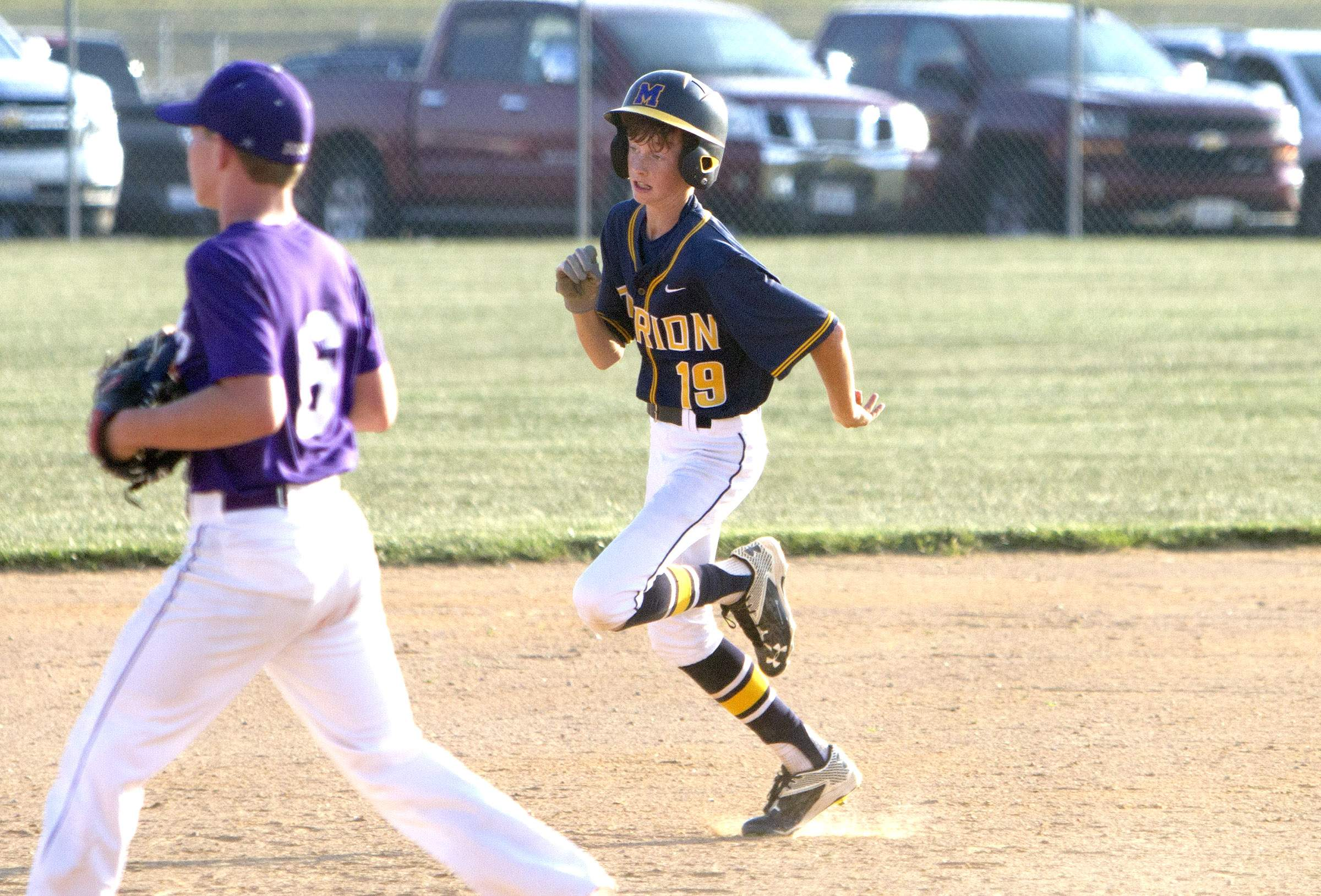 Devyn Wright runs to third base in the fifth inning.
