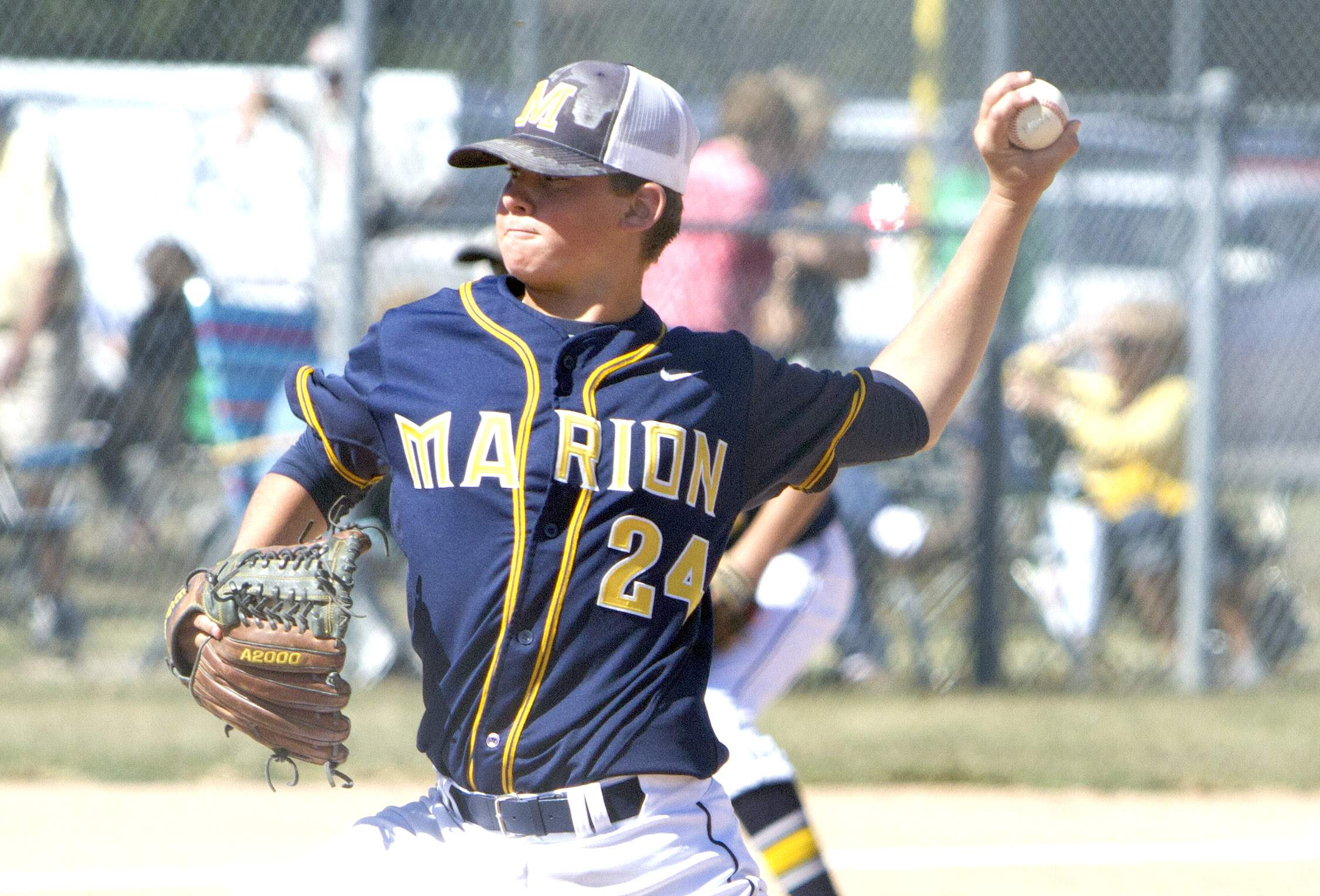 Karsten Stotlar throws a pitch in Saturday's game.