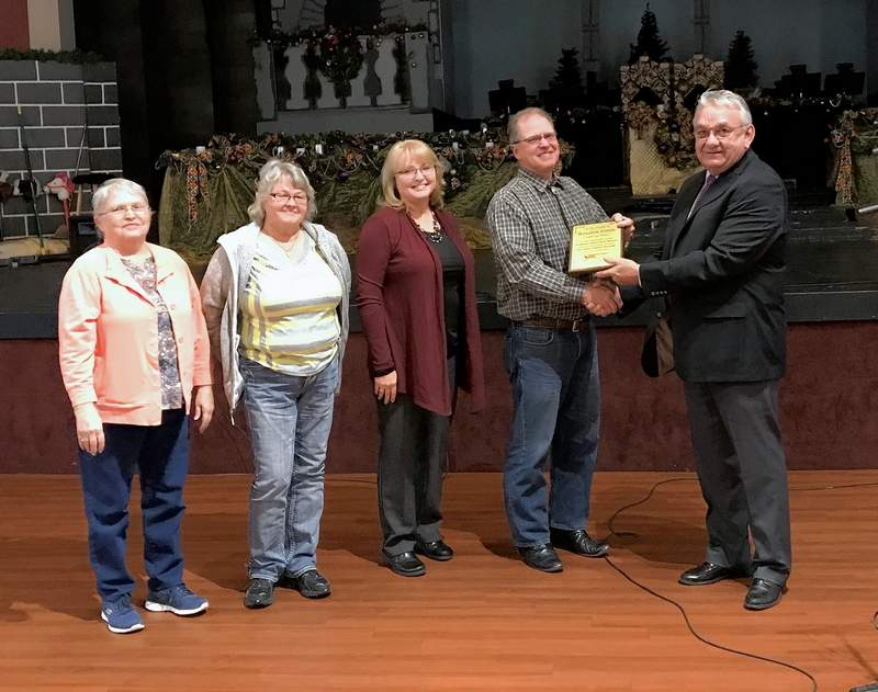 The family of  Rosalee Jones was honored during Monday's annual meeting.