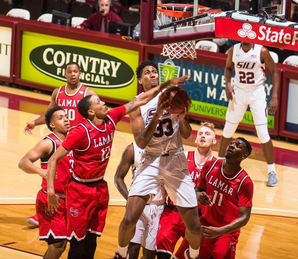 SIU center Kavion Pippen makes a layup Sunday afternoon against Lamar.
