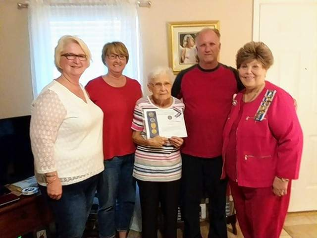 Joy Ann Pyle proudly displays the Spousal Vietnam War Commemoration Certificate of Honor from Michael Hillegas DAR Regent Sharon L. Tanner, right, with her children also present. From left are Connie Sue Carpenter, Patti Johnson, and Greg Tanner.