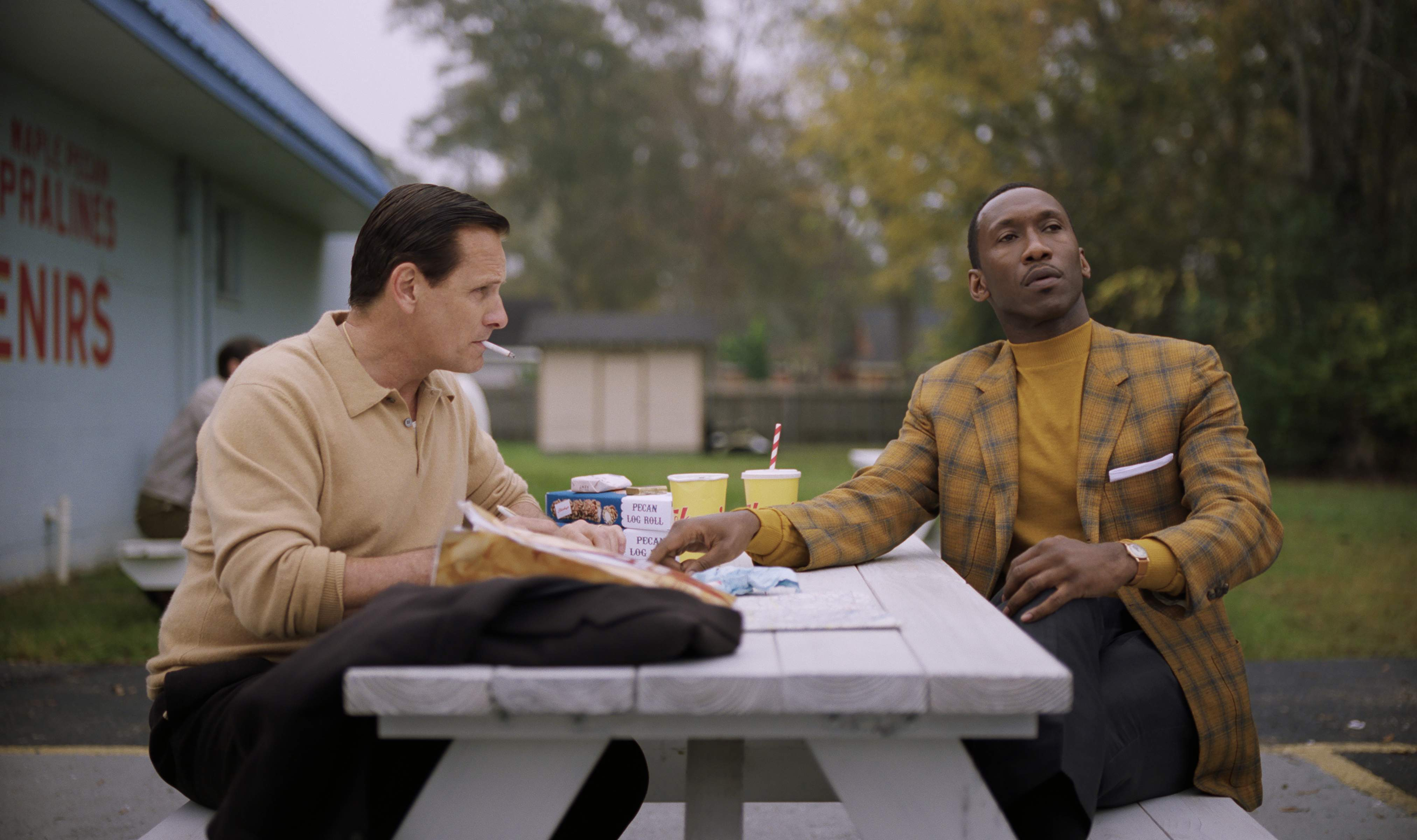 Dann Gire predicts 'Green Book' will lose best picture to 'Roma,' but Mahershala Ali, right, should win Best Supporting Actor for his role opposite Viggo Mortensen.
