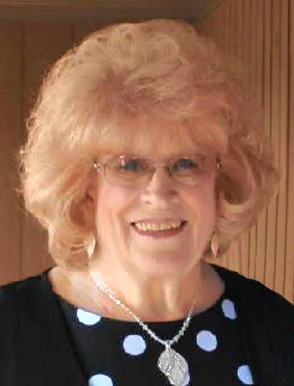 Dorthea Holmes