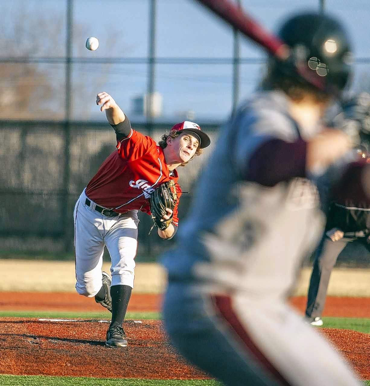 Du Quoin pitcher Brian Winters delivers a pitch in the fifth inning against Benton.