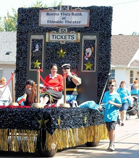 """The Buena Vista Bank float pays tribute to the 100th year of """"Thimble Theater,"""" the first Elzie Segar strip to feature the Popeye characters."""