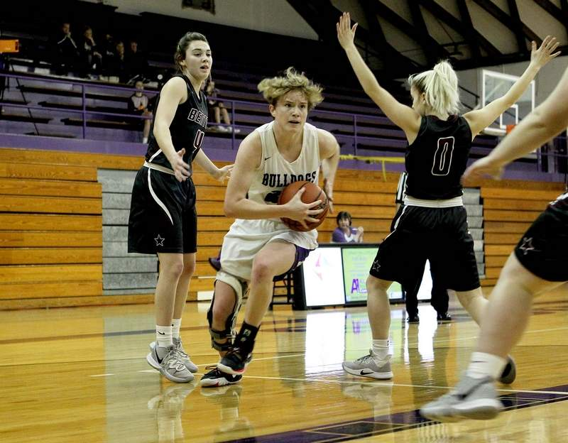 Lauren McDaniel had a game-high 14 points, 12 of which came in the second half as Harrisburg rallied to beat Benton Thursday night.