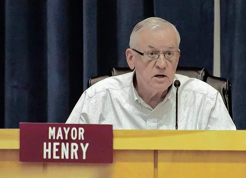 Mayor Mike Henry