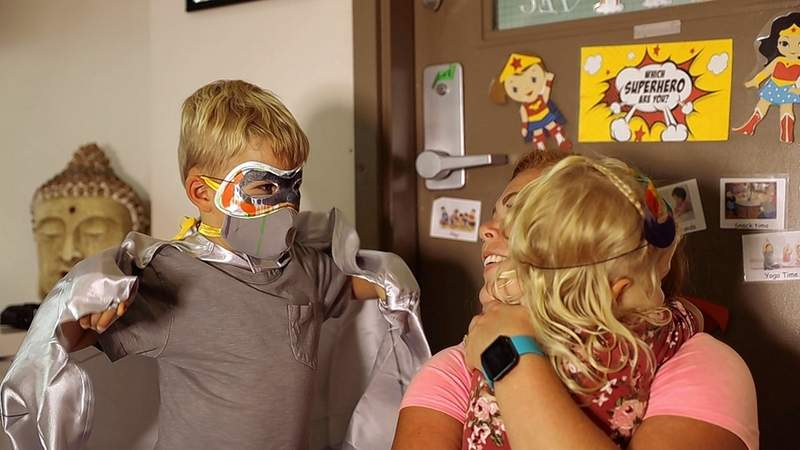 Fun ways of teaching preschool children to stay healthy during the pandemic, such as washing hands and wearing masks (along with superhero capes), as shown in an Edmonton, Canada preschool, are part of a recent grant received by SIU faculty member Lisabeth DiLalla. Preschools in Southern Illinois and are invited to participate in a test that looks at the effectiveness of a video message to children.