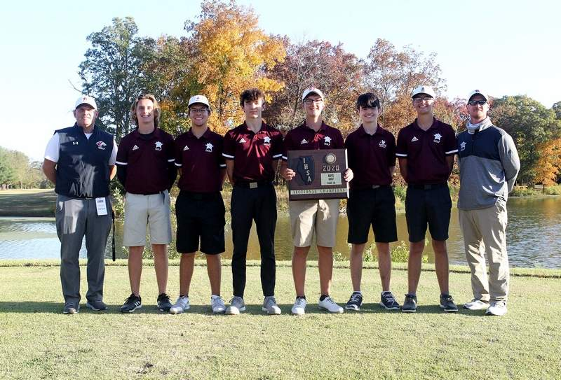 The Benton golf team captured its second straight sectional championship, winning by 18 strokes Tuesday at Centralia.