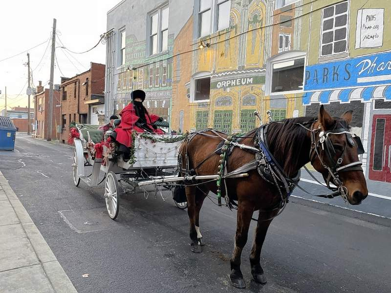 Carriage rides are full but a waitlist is available. Visit www.verymerrymarion.com for more information.