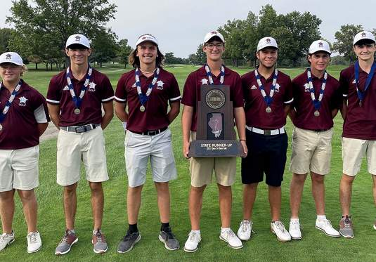 Benton poses with their runner-up trophy following this past weekend's IHSA State Golf Tournament.